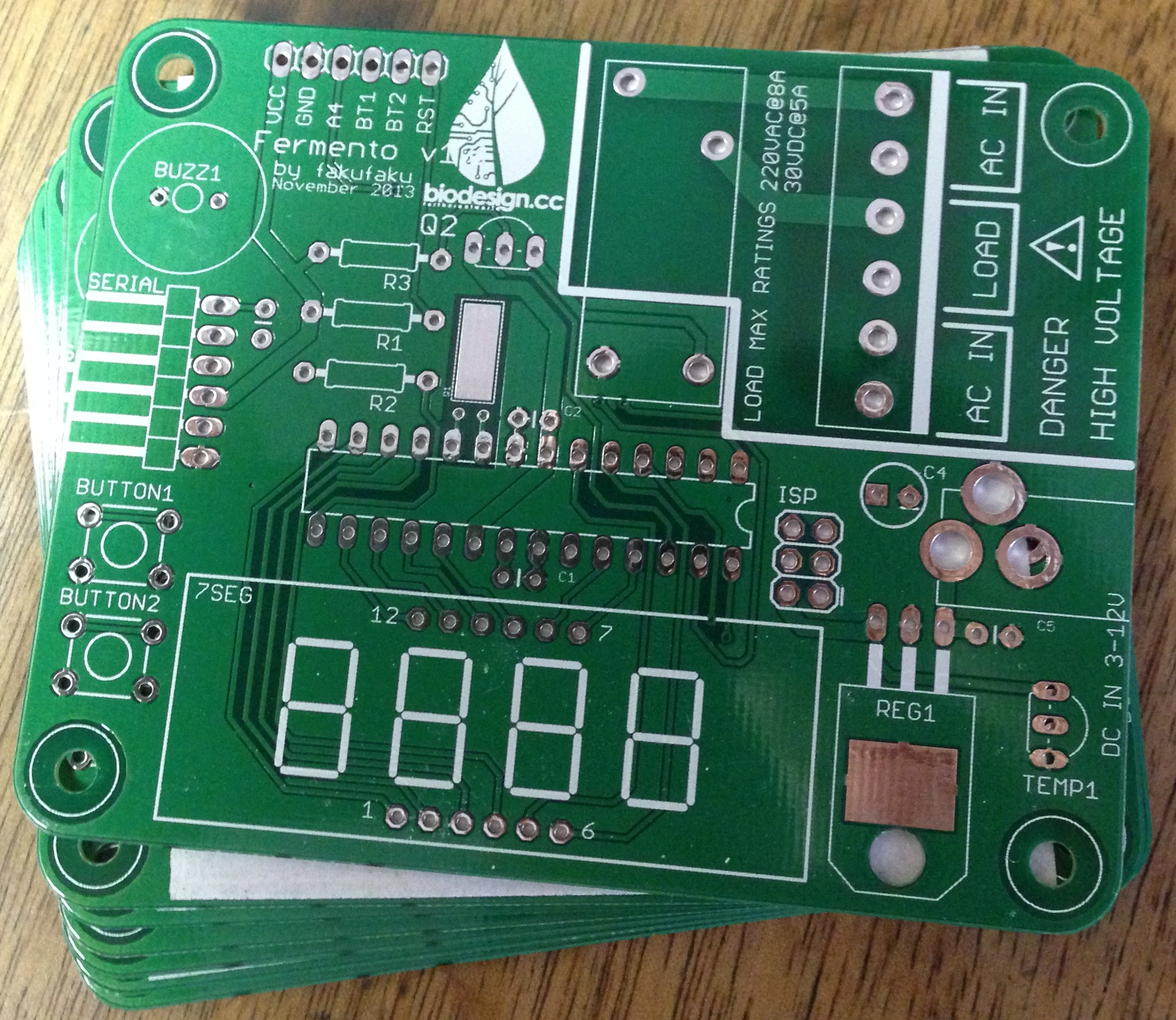 Diy Incubator Biodesign For The Real World 15 July 2014 Etching Of Printed Circuit Boards Pcb 2013 12 21 110619